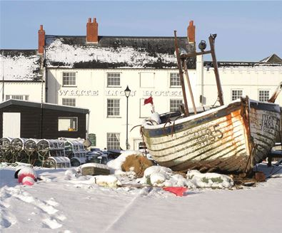 White Lion Hotel, Aldeburgh with snow (med)