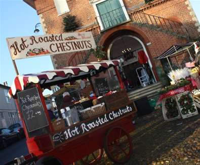 Articles - 5 Reasons to Spend Christmas on The Suffolk Coast - Woodbridge Christmas Maret