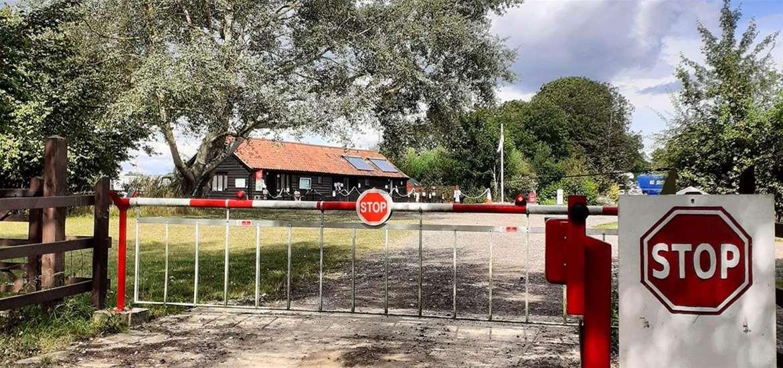 WTS - Mill Hill Farm - entrance