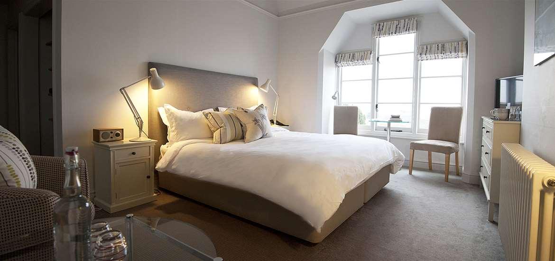 WTS - Crown & Castle - Bedroom