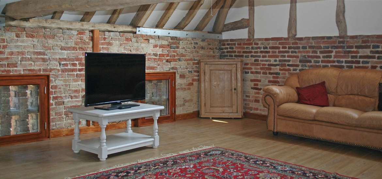 Gooda's Barn - Accommodation - Sitting Room