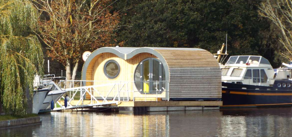WTS - Hippersons Boatyard - Glamping pod on water