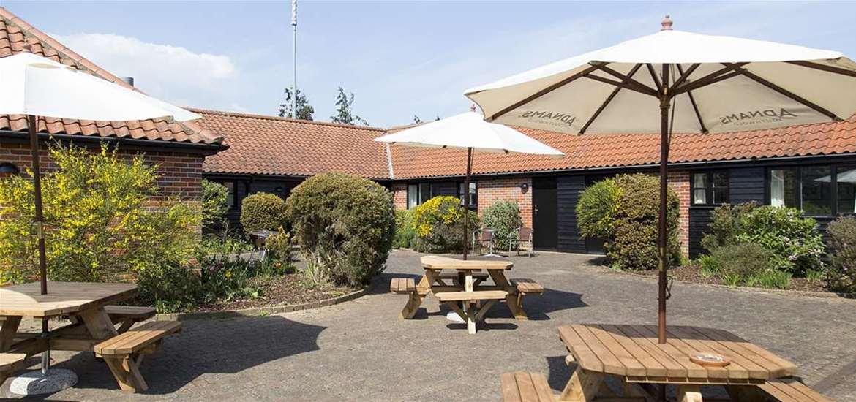 WTS - The Plough Inn Wangford - Garden