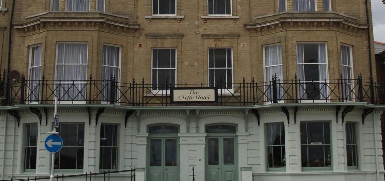 Clyffe Hotel - Where to Stay - Lowestoft