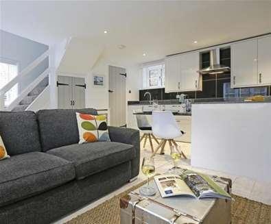 WTS - Suffolk Secrets - Beau Cottage