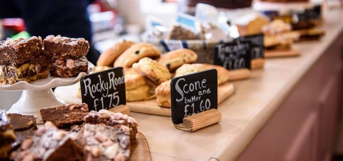 Where to Eat - Beccles - Beccles Station Cafe - Cakes