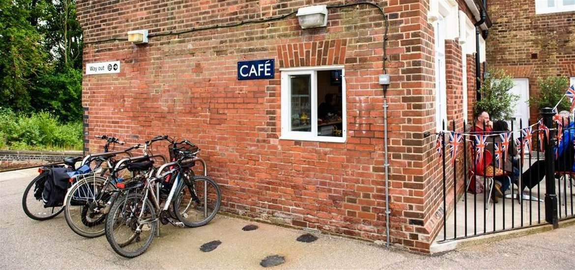 Where to Eat - Beccles - Beccles Station Cafe - Exterior